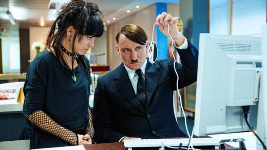 hitler découvre la souris informatique
